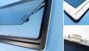 Show Seitz S4 Dlux Windows Black Frame