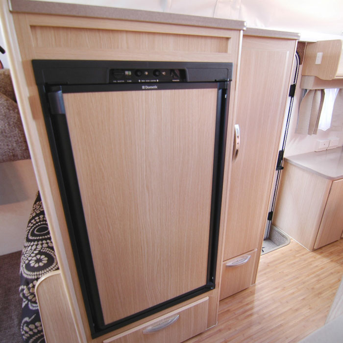 Caravansplus  Dometic Rm2553 Fridge - 150 Litre