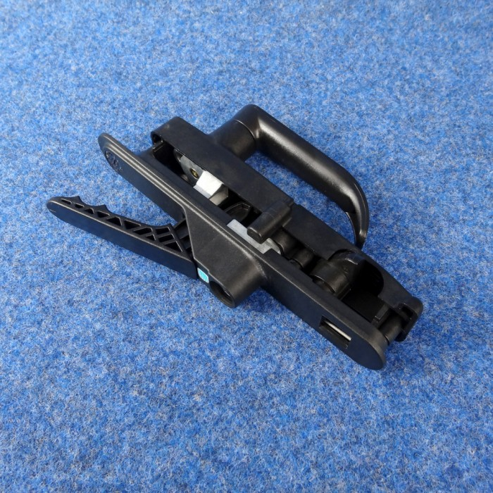 One-Key Compatible Suit Right hinge door & CaravansPlus: Camec 3 point main door lock. Suit Right Hinge Door ... pezcame.com