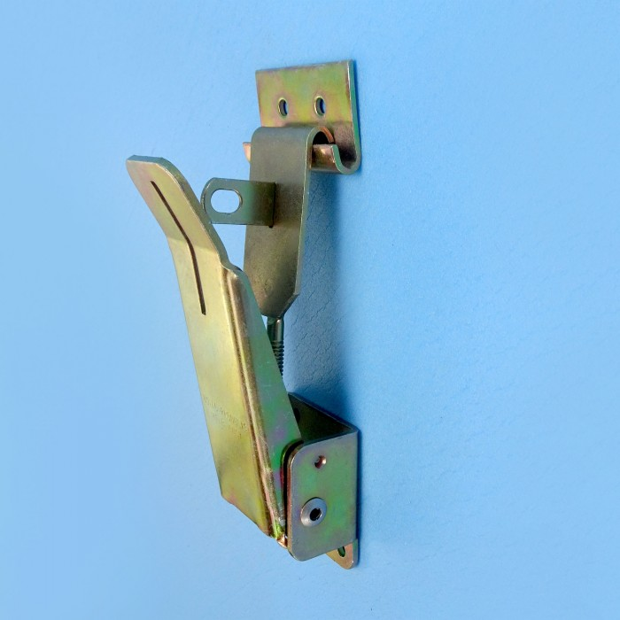 Camper Style Toggle Clamp, Space for Lock, Gold